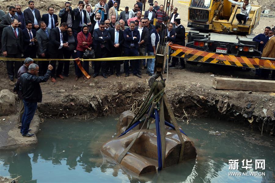 (國際)(1)開羅出土巨型雕像殘塊