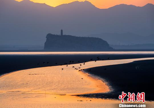 夕照鄱陽湖口美如畫