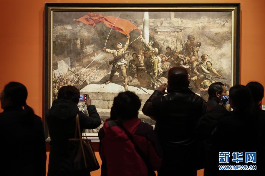 """(文化)(1)""""從石庫門到天安門""""美術作品展迎來觀展熱潮"""