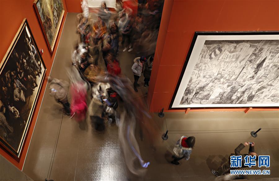 """(文化)(3)""""從石庫門到天安門""""美術作品展迎來觀展熱潮"""