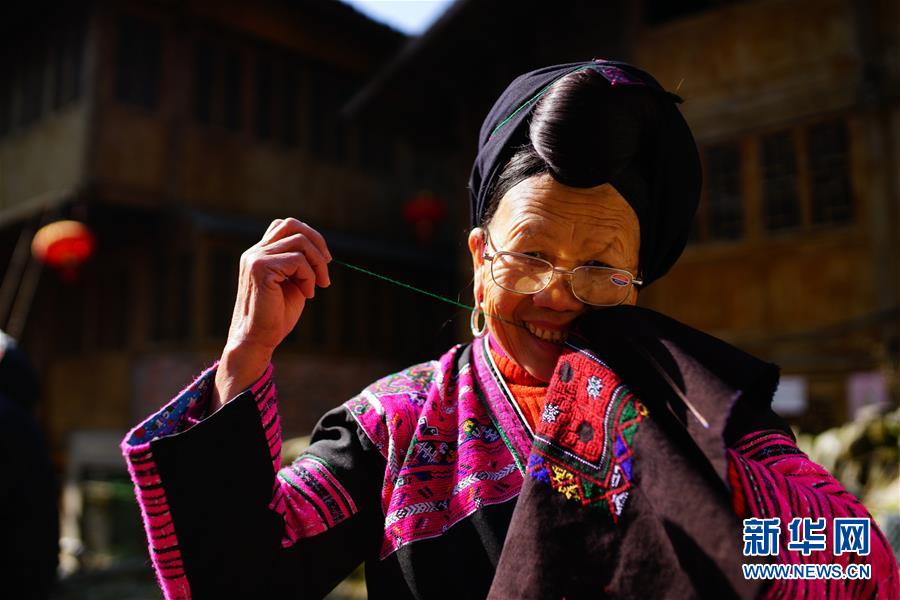 #(社會)(3)廣西龍勝:紅瑤服飾美  代代傳技藝