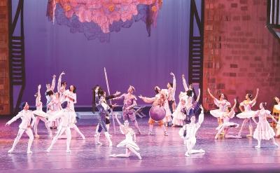 昨晚,古巴国家芭蕾舞团舞剧《堂·吉诃德》在上海大剧院成功上演